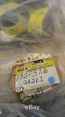 13sp377 Eagle Plastics Qty 572 Pcs Staney Tools Part # Qa2e1