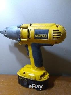 DEWALT DW059 18V 1/2 Cordless Impact Wrench with DC9096 Battery WORKS EXCELLENT