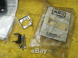 Hytec 100842 Swing Clamp Double Acting RH with 212-2-C min valve & mount NEW