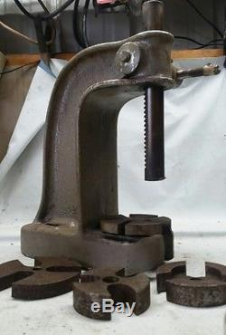 Perfection MODEL 1 ARBOR PRESS IN GREAT CONDITION. See pics with tooling