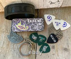 The Band TOOL 2017 Concert VIP Gifts EYE LOGO Keychain Guitar Picks Black Bag +